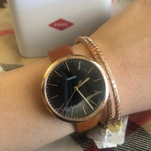 Rose gold- brown leather fossil new watch